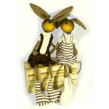 suvenir-ruchnoj-raboty-zajcy-vlyublennaya-para